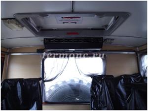 Фото 1. Испарительный блок установлен внутри фургона на задней стенке.